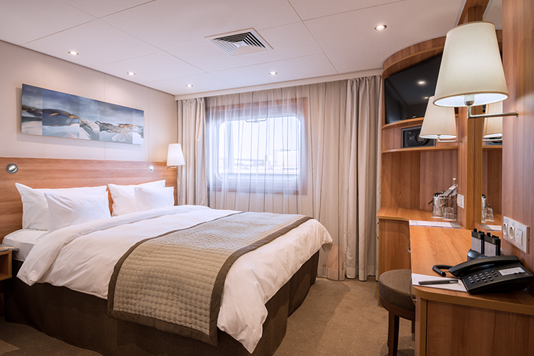 Akun Stateroom Deluxe Bed X Tcm
