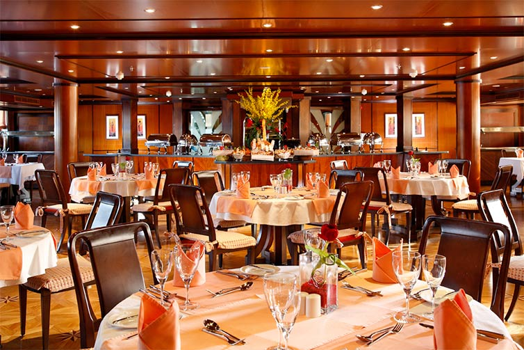 The restaurant on board MS Antares