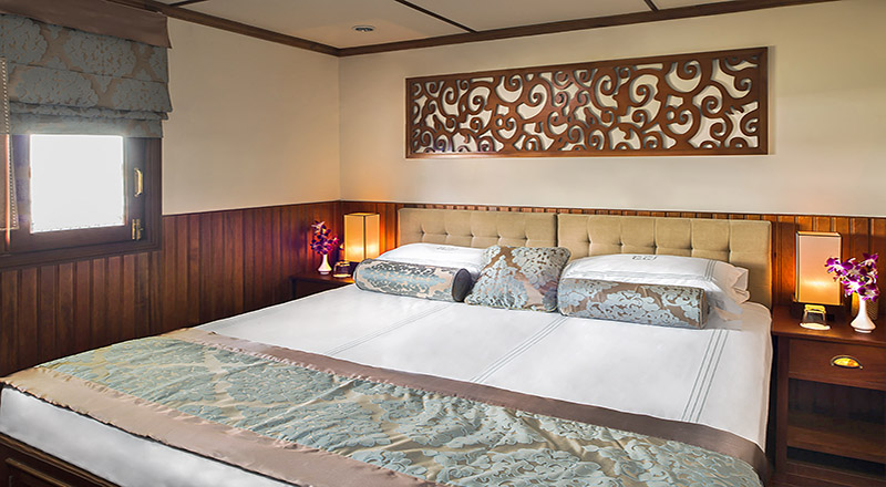 Bedroom of Pandaw stateroom