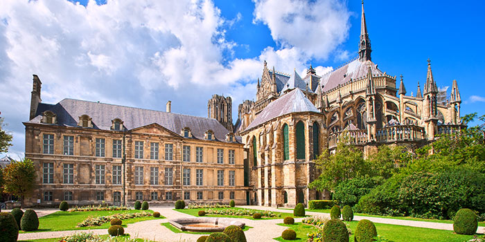 The courtyard of the Reims Cathedral