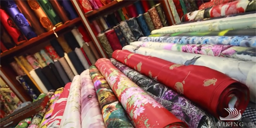 Various roles of silk patterns